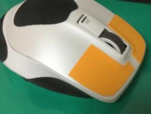 マウスがツルツル滑っちゃう!グリップテープで持ちやすく!